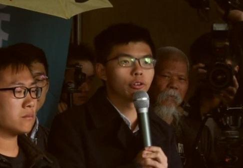 Nhà Dân Chủ Hong Kong Joshua Wong bị kết án tù lần hai vì cuộc biểu tình 2014