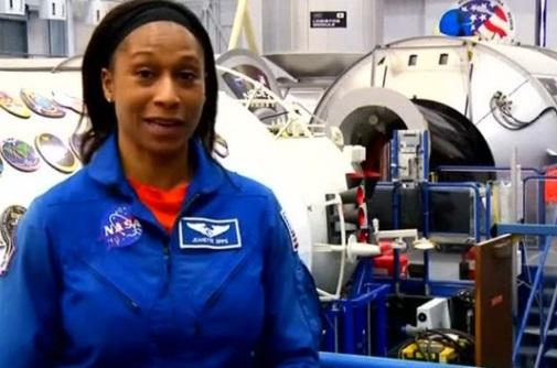 NASA bất ngờ rút nữ phi hành gia gốc Phi Châu khỏi sứ mạng tháng 6/2018