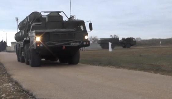 Nga đưa hoả tiễn đất đối không S-400 đến Crimea