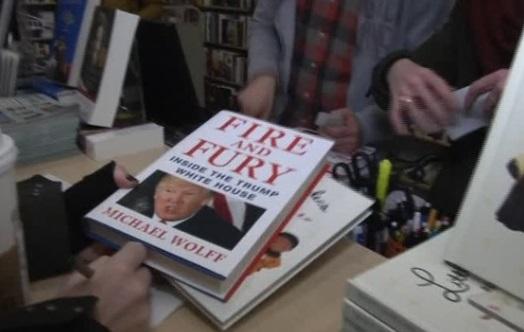 Cuốn sách Fire and Fury: tổng thống Trump ít khi gặp mặt vợ con