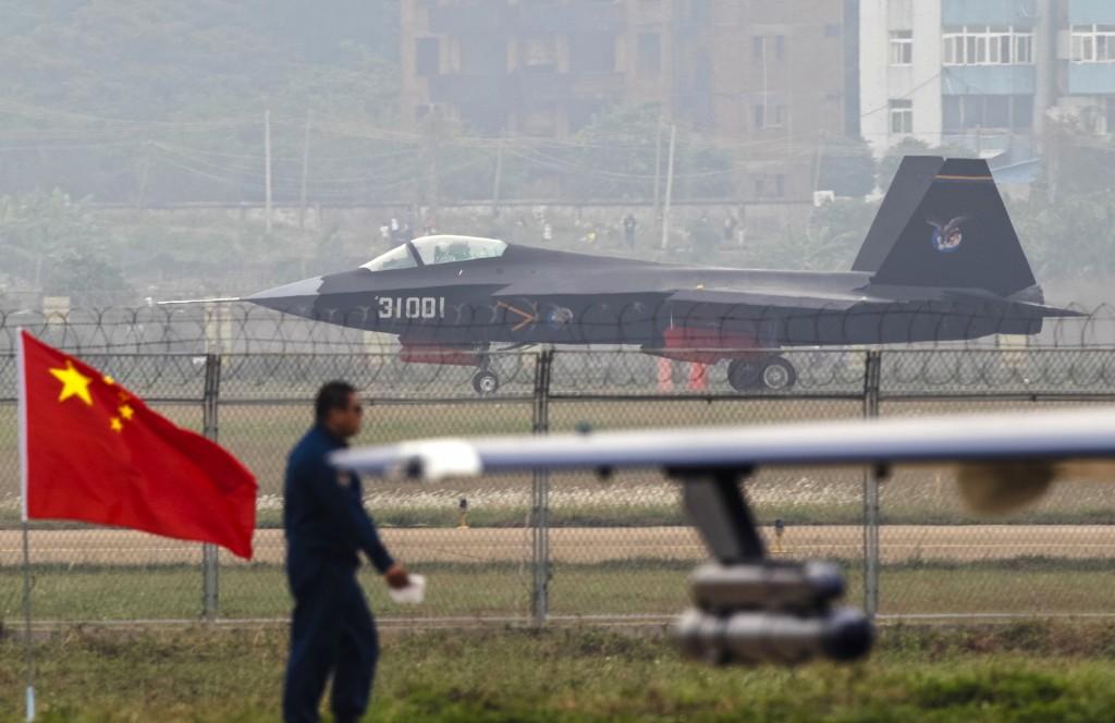 Trung Cộng tăng cường lực lượng phòng không ở khu vực phía Tây
