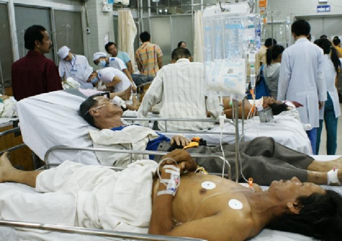 Việt Nam 3 ngày Tết gần 2,000 trường hợp cấp cứu do đánh nhau, 6 người chết