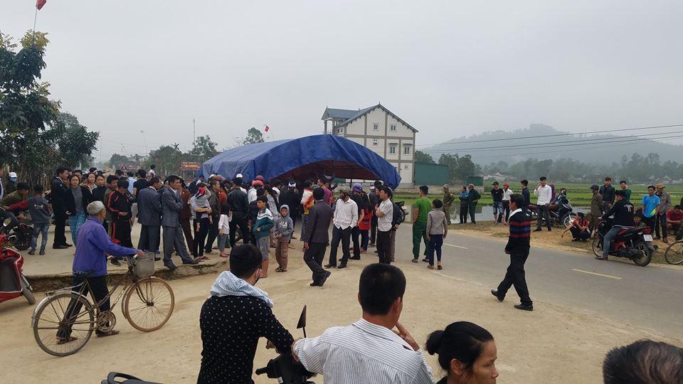 Dựng sạp giữa quốc lộ buộc công an Hà Tĩnh nhận tội tông chết người mùng 1 Tết