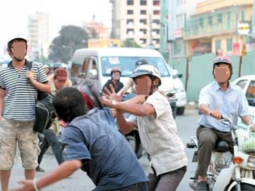 Hàng ngàn người đánh nhau ngày Tết do Việt Nam thiếu tôn trọng cá nhân và nhân quyền