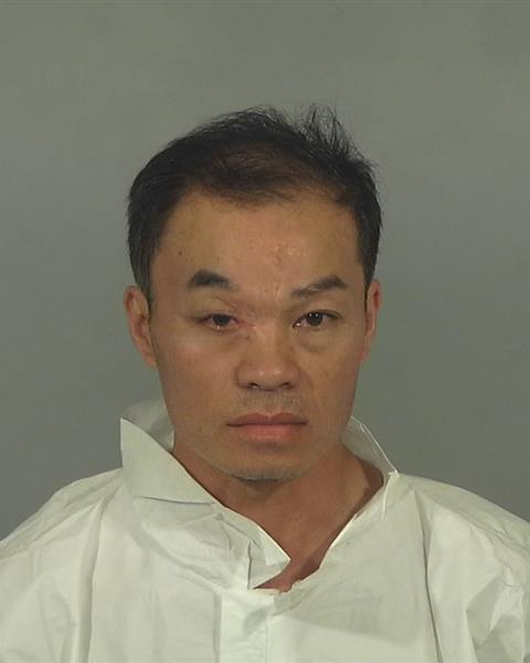 Người chồng gốc Việt dùng dao phay chém vợ ở Garden Grove lãnh án 9 năm tù