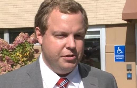 Nhân viên thứ nhì của Tòa Bạch Ốc từ chức vì cáo buộc bạo lực gia đình