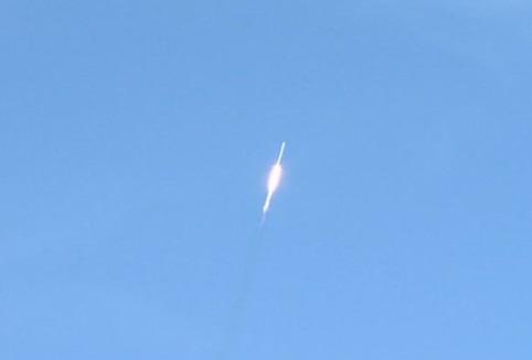 SpaceX phóng hỏa tiễn mạnh nhất thế giới đưa xe điện Tesla lên Hỏa Tinh