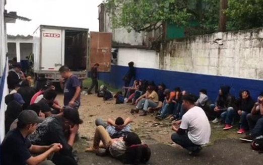 Mexico phát hiện 52 di dân bất hợp pháp nhồi nhét phía sau một xe tải hướng đến Mỹ