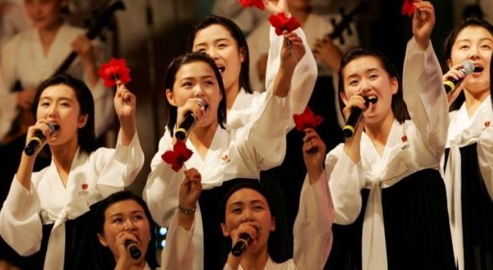 Giới trẻ Nam Hàn thành lập một đội cổ vũ cho vận động viên Bắc Hàn