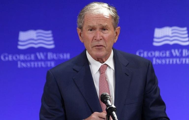 """Cựu tổng thống George W. Bush:  """"có bằng chứng rõ ràng"""" Nga can thiệp bầu cử 2016"""