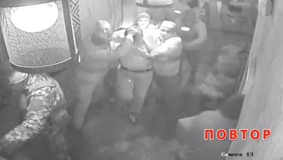 Lãnh tụ đối lập Ukraine bị bắt tại nhà hàng, trục xuất sang Ba Lan