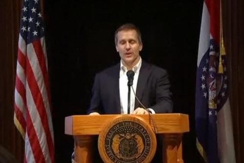 Thống đốc Missouri bị truy tố vì vi phạm quyền riêng tư