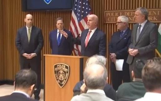 Cựu giáo viên thành phố New York và em trai bị buộc tội âm mưu chế tạo bom