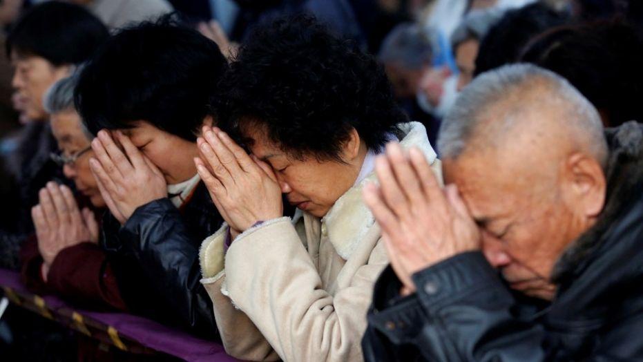 Giáo dân Công Giáo Trung Cộng bối rối trước thỏa thuận giữa Vatican và Bắc Kinh