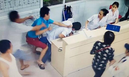 Y bác sĩ Phú Thọ tập võ đề phòng bị tấn công trong bệnh viện