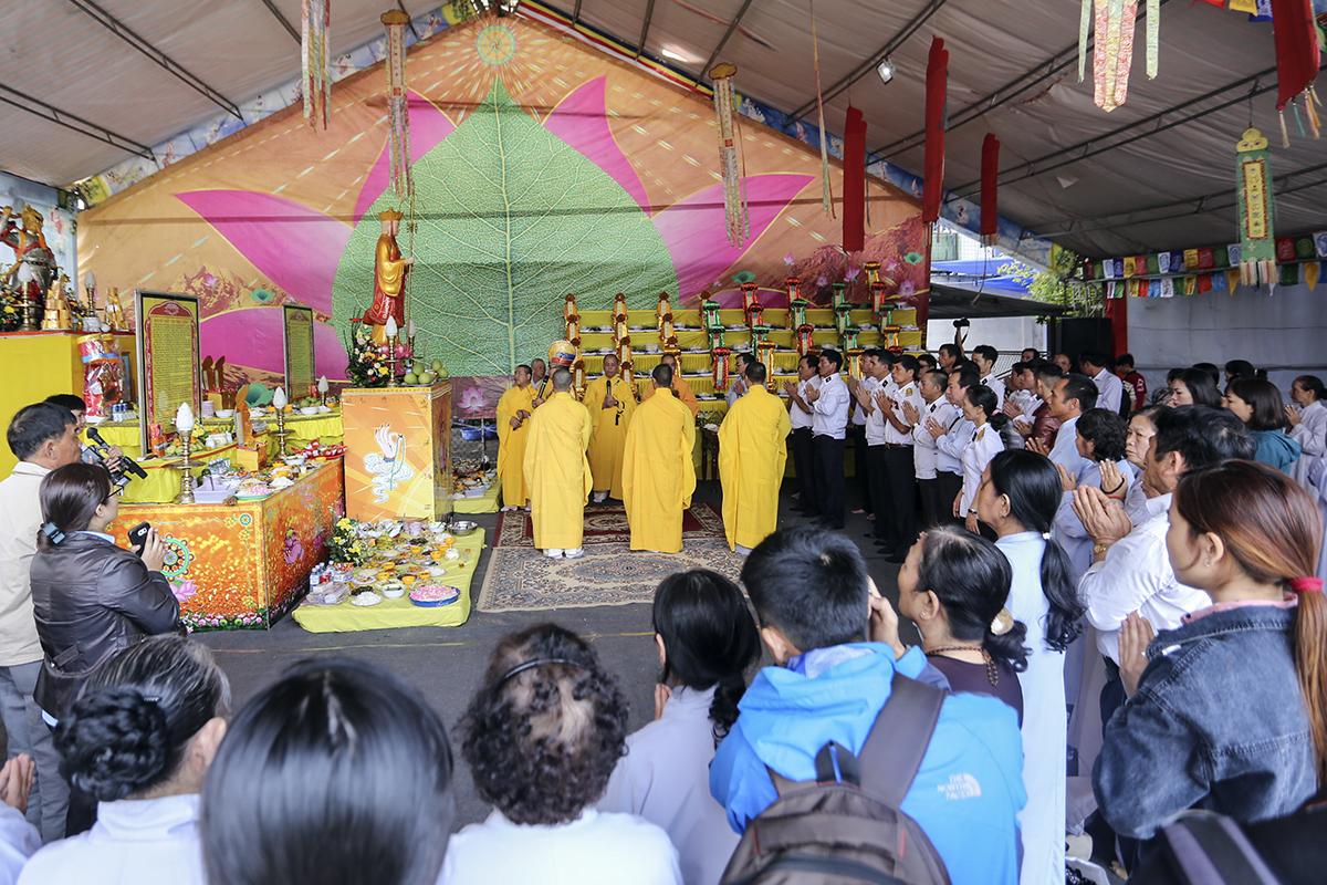 Đà Nẵng cử hành đại lễ cầu siêu cho tử sĩ Gạc Ma sau 30 năm