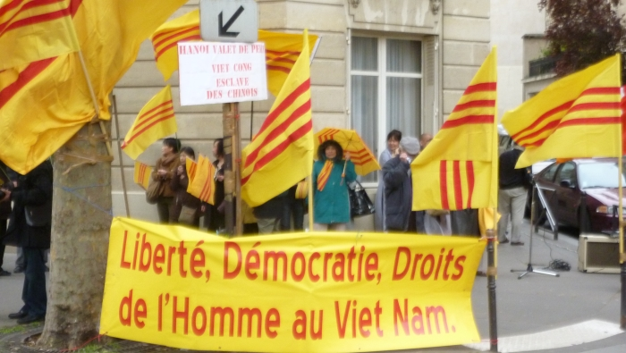 Biểu tình phản đối Nguyễn Phú Trọng tại Paris