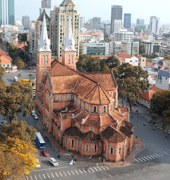 Tổng giáo phận Sài Gòn bị mạo danh quyên tiền trùng tu nhà thờ Đức Bà