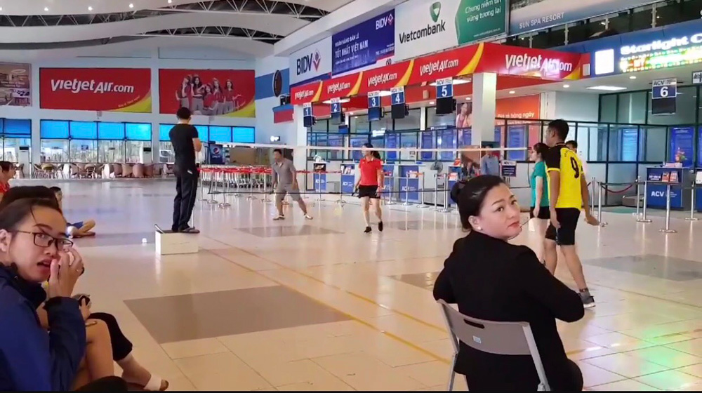 Phi trường Đồng Hới bị phạt vì đóng cửa nhà ga để tổ chức giải vũ cầu