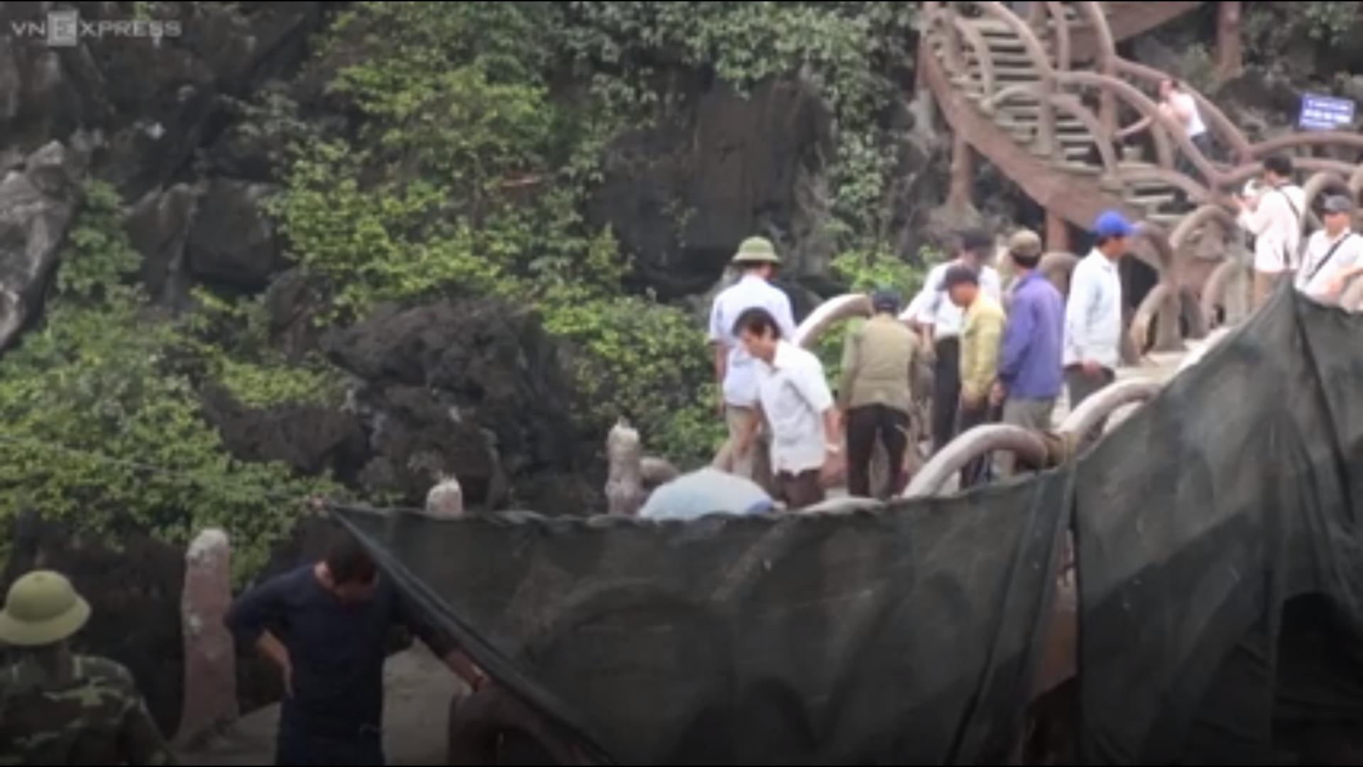 Tháo dỡ cầu bê tông khổng lồ khỏi di sản Tràng An
