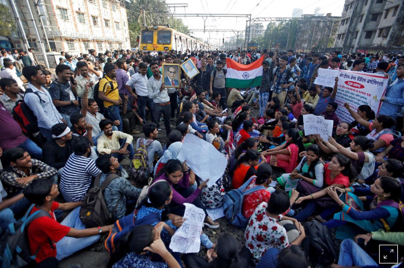 Hơn 25 triệu người nộp đơn xin việc làm trong ngành đường sắt của Ấn Độ