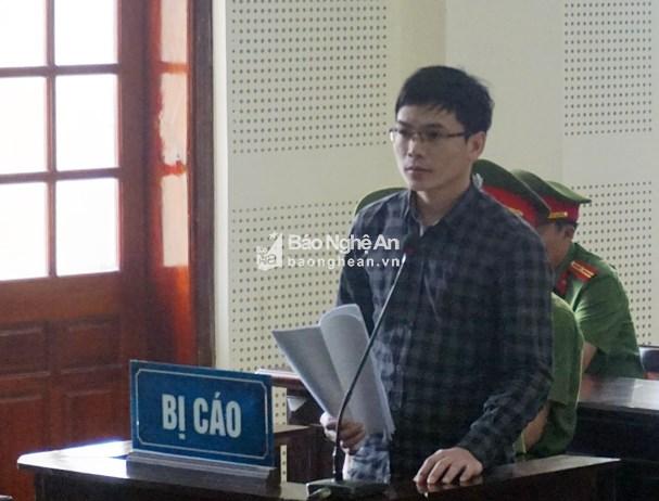Hoãn phiên tòa xét xử Nguyễn Viết Dũng vì luật sư vắng mặt