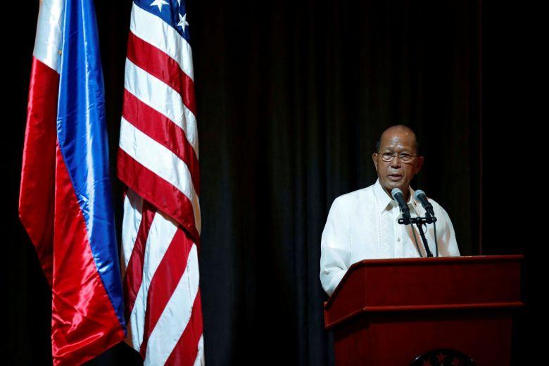 Máy bay Philippines bị cảnh cáo khi bay ngang các đảo Trung Cộng tuyên bố chủ quyền