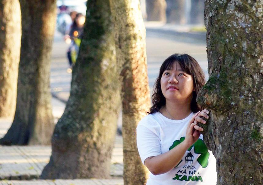 Nhà báo Phạm Đoan Trang trốn thoát vòng vây an ninh CSVN