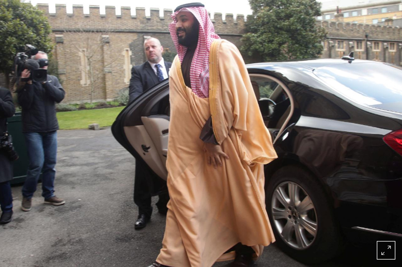 Thái tử Ả Rập Saudi tuyên bố sẽ chế tạo bom nguyên tử nếu Iran có vũ khí này
