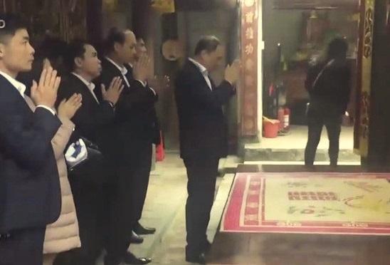 Giám đốc điện lực mất chức vì đi lễ đền Trần trong giờ hành chính