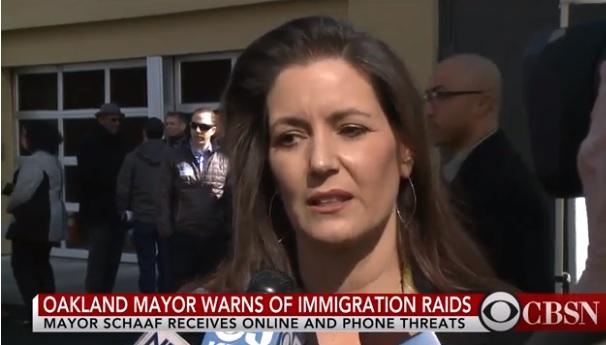 Tòa Bạch Ốc lên án thị trưởng Oakland cảnh báo trước các cuộc vây bắt của ICE