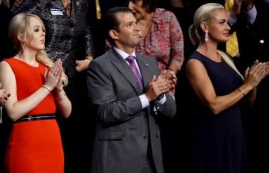 Vợ của Donald Trump Junior đệ đơn xin ly dị ở New York