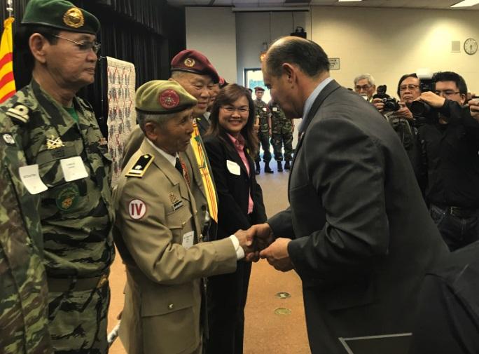 Dân biểu Lou Correa vinh danh cựu quân nhân Việt Mỹ