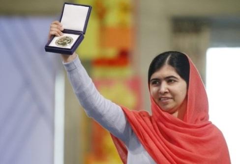 Cô gái 17 tuổi đoạt giải Nobel Hoà Bình về thăm quê ở Pakistan