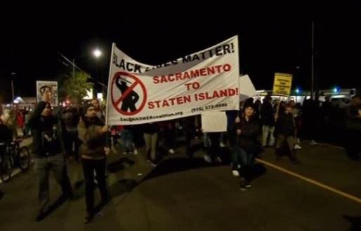 Biểu tình ở Sacramento California vì cảnh sát bắn chết một người Mỹ gốc Phi Châu không vũ khí