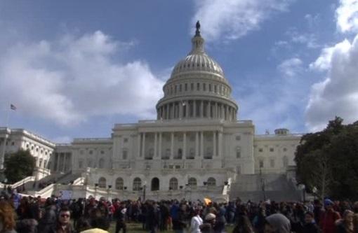 Hạ Viện thông qua dự luật phòng bạo lực súng đạn trong trường học, phớt lờ việc kiểm soát súng