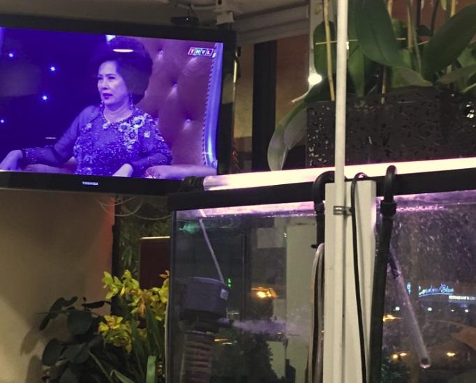 Nhà hàng Việt ở Little Saigon vẫn chiếu chương trình tivi Đài Truyền Hình Vĩnh Long