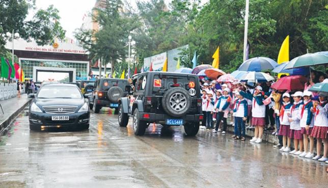Chính thức cho phép lái xe hơi du lịch Trung Cộng sang Việt Nam