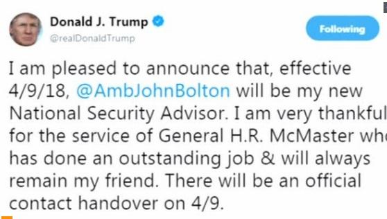 Bộ trưởng Quốc Phòng Mattis không chắc có thể làm việc được với cố vấn mới của Trump