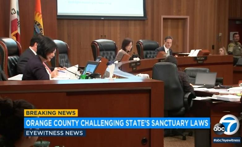 """Quận Cam bỏ phiếu ủng hộ thành phố Los Alamitos không tham gia chính sách """"Tiểu Bang Trú Ẩn"""""""
