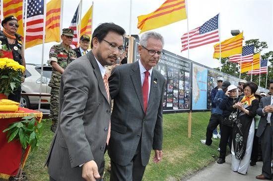 Dân biểu Mỹ trình nghị quyết Tháng Tư Đen và dự luật trừng phạt CSVN vi phạm nhân quyền
