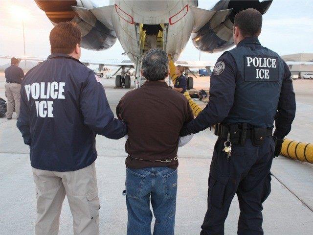 Hoa Kỳ trục xuất 43 người Cambodia phạm tội hình sự