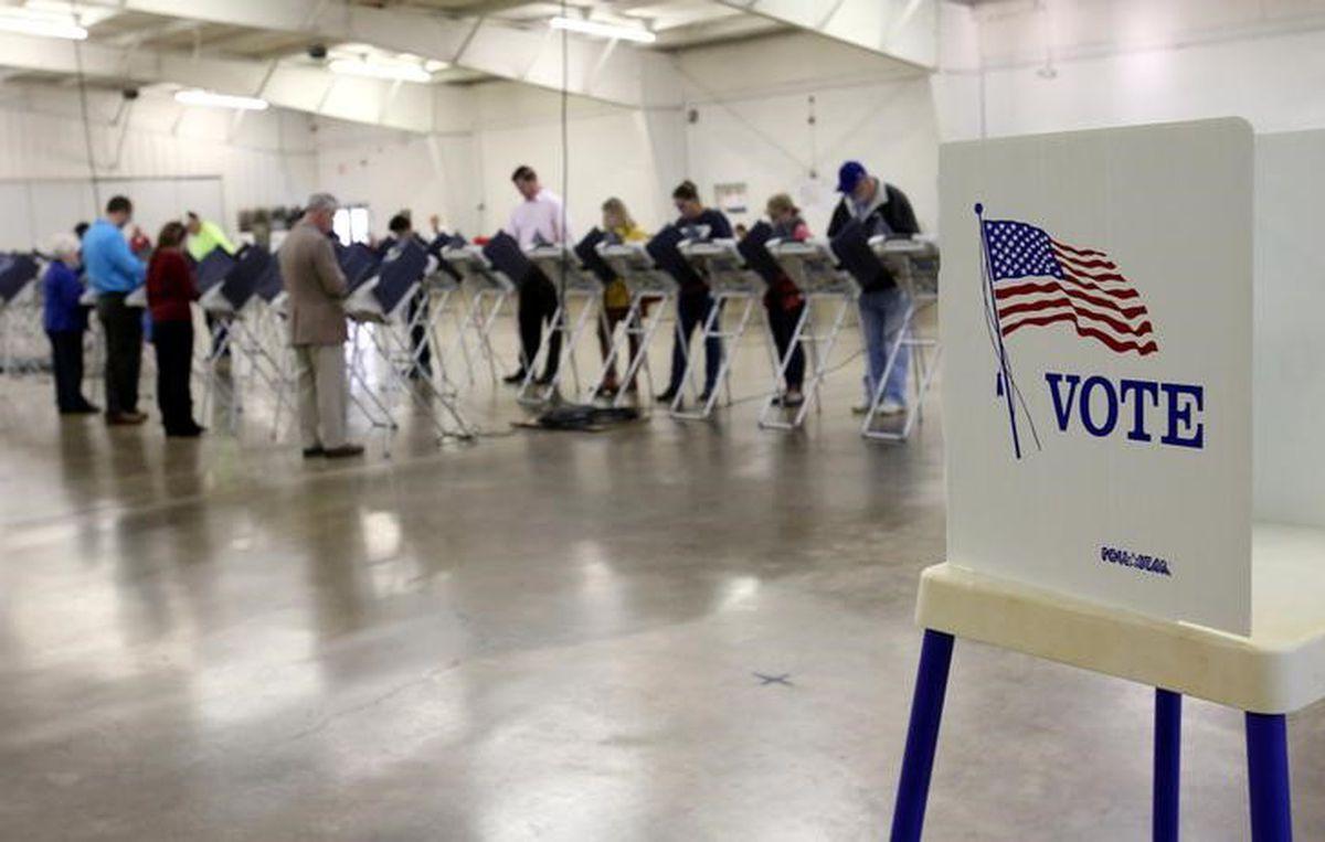 Dân Chủ và Cộng Hòa đều dùng vấn đề di dân cho chiến dịch tranh cử