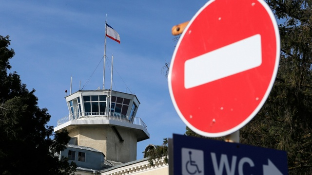 Các hãng hàng không đổi đường bay tránh nguy hiểm vì các cuộc không kích Syria