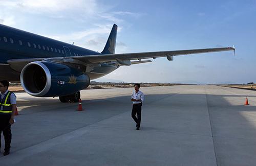 Máy bay Vietnam Airlines đáp nhầm phi đạo chưa được phép sử dụng ở Cam Ranh
