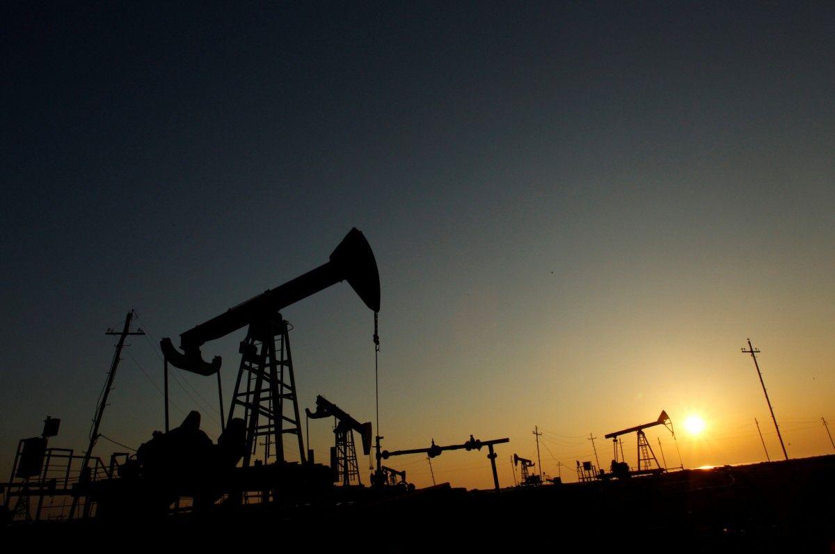 Giá dầu tiếp tục tăng trong tuần thứ 2 liên tiếp bất chấp tổng thống Trump chỉ trích