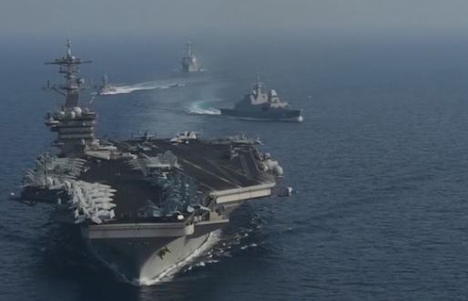 Hàng không mẫu hạm USS Theodore Roosevelt tuần tiễu Biển Đông