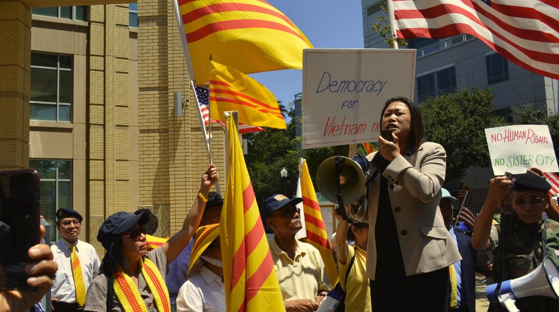 Ủy Ban Giáo Dục Thượng Viện Cali thông qua dự luật dạy lịch sử Người Việt Tị Nạn