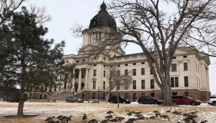 Cuộc chiến về thuế giữa South Dakota và các công ty thương mại điện tử lên Tối Cao Pháp Viện