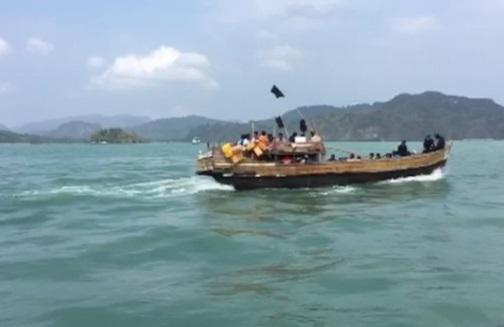 Thuyền chở người tị nạn Rohingya hướng về Mã Lai